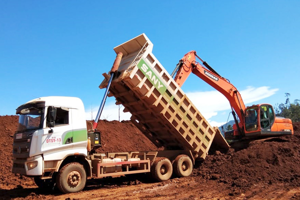 Dumping ore di area stock field